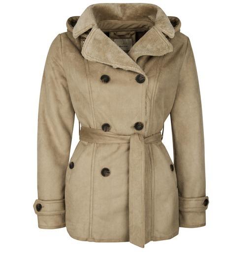 Confección de traje tipo sastre y abrigo para dama.